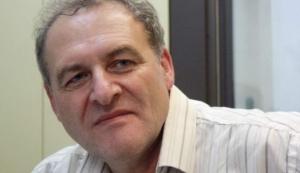 Пан Захаров є співголовою Харківської правозахисної групи та головою правління Української Гельсінської спілки з прав людини