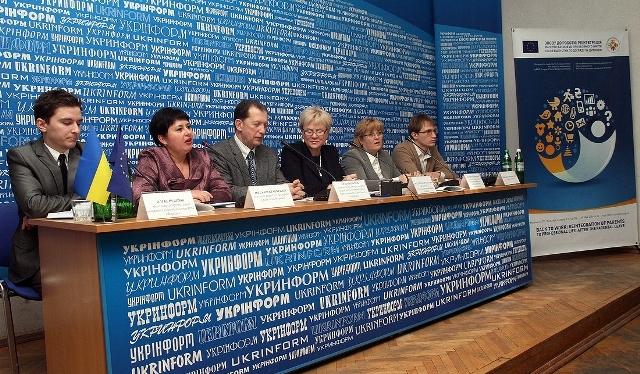 Знайти роботу після декрету: ЄС запускає в Україні новий соціальнийпроект