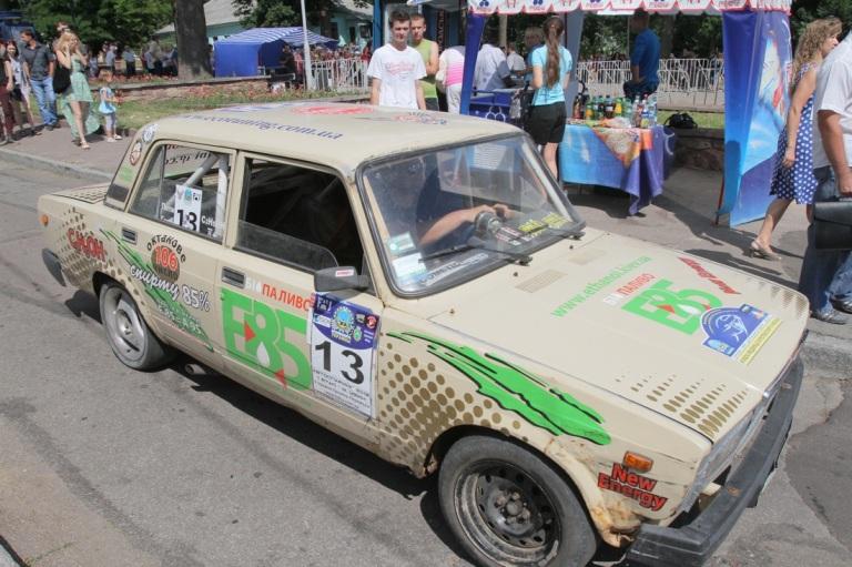 Одна з машин на біопаливі, що взяли участь у пробігу