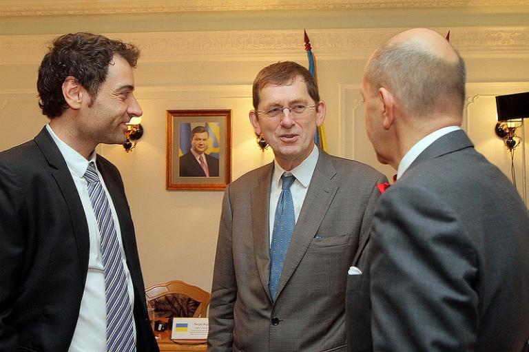 Ендрю Расбаш, Керівник Програм співпраці Представництва ЄС в Україні (у центрі) та Фабіо дель Алісаль, Керівник проекту від країн-членів ЄС (ліворуч)