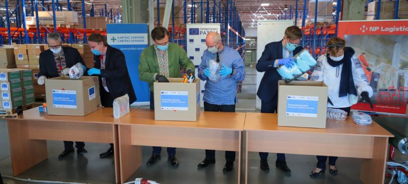 ULEAD надав захисні засоби медикам із 936 громадУкраїни