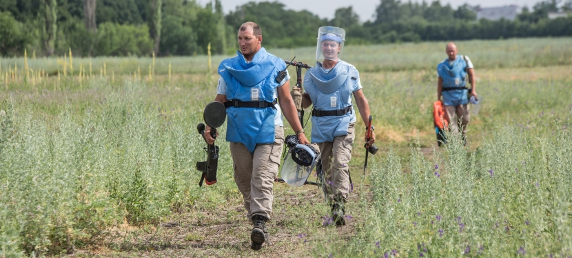 ЄС фінансує розмінування полів наЛуганщині
